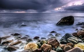 Картинка море, облака, тучи, камни, пасмурно, берег