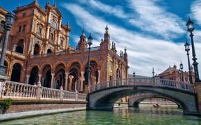 Картинка вода, город, здания, фонари, канал, архитектура, Испания, мостики, Севилья