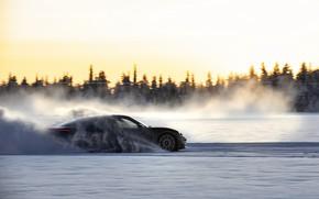Картинка снег, движение, чёрный, Porsche, трек, 2020, Taycan, Taycan 4S