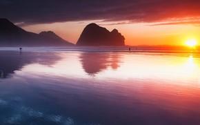 Картинка beach, sky, sea, landscape, New Zealand, Auckland, nature, sunset, clouds, sun, people, cliff, shoreline