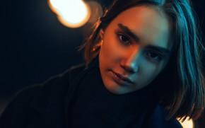 Картинка взгляд, ночь, крупный план, лицо, огни, модель, портрет, шатенка, красивая, боке, Andrey Monahov