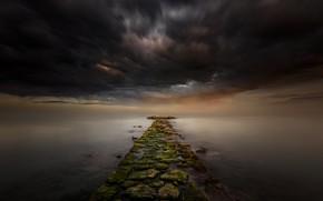 Картинка море, тучи, камни, дорожка
