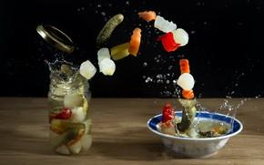 Картинка тарелка, банка, овощи