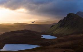 Картинка небо, свет, горы, природа, птица, утро, полёт