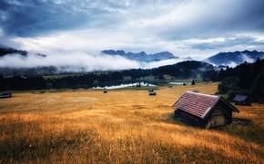 Картинка крыша, поле, осень, лес, небо, трава, облака, пейзаж, горы, туман, дом, река, пасмурно, холмы, склоны, ...