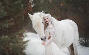 Картинка зима, белый, девушка, снег, стиль, конь, лошадь, платье, фэнтези, принцесса, в белом, Marketa Novak