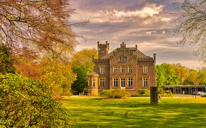 Картинка осень, небо, солнце, облака, деревья, дом, газон, Германия, особняк, кусты, Rathaus, Geldern