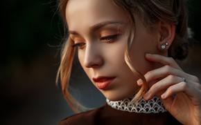 Картинка девушка, лицо, рука, портрет, макияж