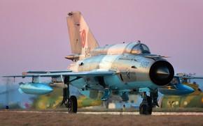 Картинка Истребитель, Взлет, МиГ-21, ОКБ Микояна и Гуревича, Шасси, ВВС Румынии, ПТБ