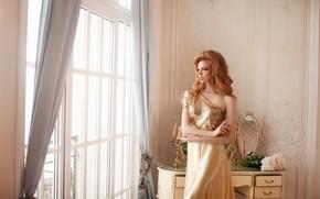Картинка взгляд, девушка, поза, стиль, фото, модель, волосы, макияж, платье, зеркало, окно, красотка, Елизавета Бондаренко