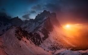 Картинка зима, небо, солнце, облака, снег, деревья, закат, горы, тучи, природа, скалы, вечер, Альпы, Италия, Доломиты, …