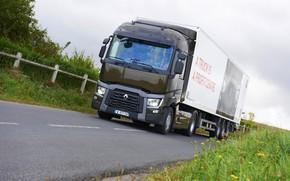 Картинка трава, асфальт, растительность, грузовик, Renault, седельный тягач, 4x2, полуприцеп, Renault Trucks, T-series