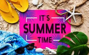 Картинка песок, лето, надпись, очки, ракушки, сланцы