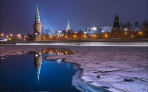Картинка зима, город, река, стена, лёд, вечер, освещение, фонари, Москва, башни, Кремль, подстветка, Yuri Degtyarev