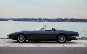 Картинка чёрный, берег, Maserati, 1969, родстер, сбоку, спайдер, Ghibli Spider