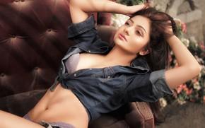 Картинка girl, smile, beautiful, figure, model, beauty, pose, indian, Lopamudra