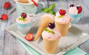 Картинка вишня, клубника, мороженое, десерт, клубничное, вафельный стаканчик