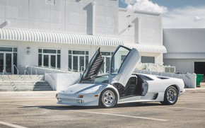 Картинка Парковка, White, Lamborghini Diablo, Scissor doors, Итальянский автомобиль