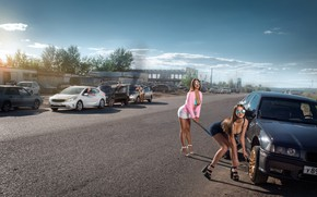 Картинка дорога, авто, авария, машины, девушки, ситуация, позы, Айдар Алонсо, замена колеса, мужики-ротозеи