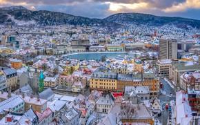 Картинка зима, лес, облака, снег, пейзаж, горы, город, пруд, дома, Норвегия, вид сверху, Осло