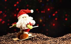 Картинка зима, темный фон, праздник, игрушка, лыжи, кофе, огоньки, Рождество, Новый год, борода, Санта Клаус, Дед …