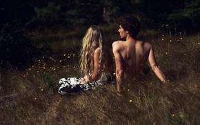 Картинка трава, девушка, природа, волосы, парень