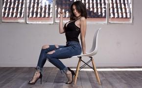 Картинка секси, поза, джинсы, сигарета, стул, красотка, Imi