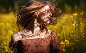 Картинка поле, девушка, радость, цветы, волосы, весна, рапс