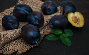 Картинка стол, фрукты, сливы, спелые