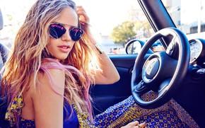 Картинка car, girl, dress, photo, blonde, actress, sunglasses, portrait, wavy hair, bare shoulders, Halston Sage