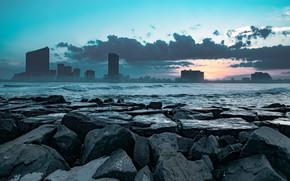 Картинка город, камни, берег
