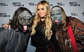 Картинка девушка, парни, маски, Carmen Electra, хеллоуин