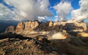Картинка небо, облака, свет, горы, синева, камни, скалы, вершины, высота, тени, дымка, рельеф, облачно, горный хребет, …