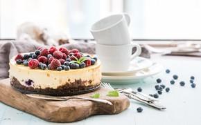 Картинка ягоды, чашки, торт, чизкейк, разделочная доска