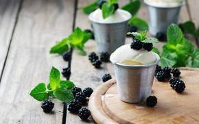 Картинка зелень, ягоды, доски, еда, мороженое, листочки, мята, десерт, ежевика, стаканчики