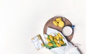 Картинка подарок, кофе, букет, чашка, тюльпаны, макарун