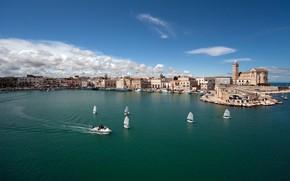 Картинка море, город, пристань, лодки, Италия, набережная, Italy, Puglia, Trani