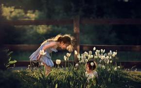 Картинка цветы, природа, дети, девочки, игра, весна, тюльпаны, Марианна Смолина