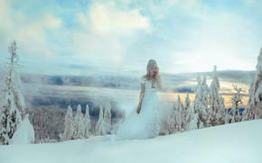 Картинка зима, лес, девушка, снег, стиль, платье, фэнтези, образ, принцесса, фотоарт, Kindra Nikole