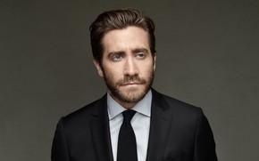 Обои взгляд, костюм, мужчина, Jake gyllenhaal