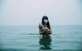 Картинка девушка, кукла, маска, противогаз, повязка, в воде, Lichon