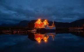 Картинка горы, ночь, дом, отражение, причал, Норвегия, Norway, фьорд, Лофотенские острова, Lofoten, Nordland, судёнышко