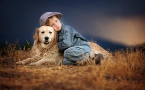 Картинка трава, закат, природа, животное, собака, мальчик, кепка, друзья, ребёнок, пёс, ретривер, Amber Bauerle