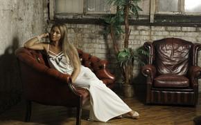 Картинка взгляд, секси, волосы, кресло, платье, красотка, Natalia Forrest