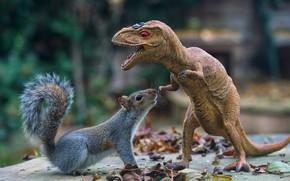 Картинка взгляд, морда, листья, природа, поза, фон, игрушка, динозавр, белка, пасть, смотрит, любопытство, игрушечный, страшный, размытый