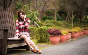 Картинка взгляд, девушка, парк, волосы, ножки, азиатка, милашка, скамья