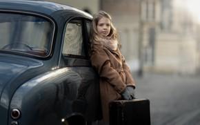 Картинка машина, девочка, чемодан