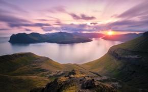 Картинка солнце, острова, облака, закат, горы, туман, скалы, вид, дымка, Исландия, водоем