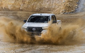 Картинка белый, лужа, грязь, Toyota, пикап, Hilux, Special Edition, 2019