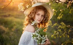 Картинка взгляд, девушка, природа, весна, шляпа, цветение